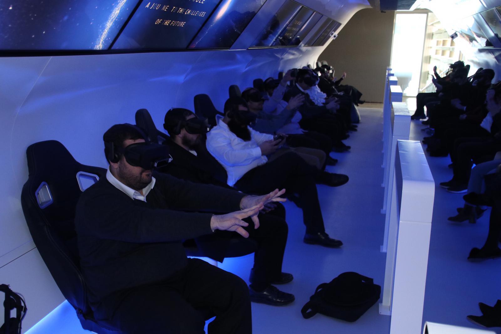 לפני כולם: סיור מודרך ומצולם במרכז פרס לשלום ולחדשנות 6