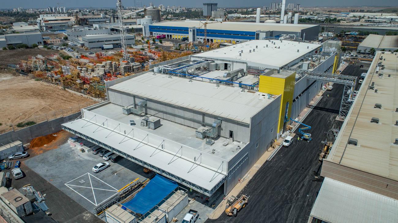 אין כמו במבה: בכירי המדיה החרדית בהשקת המפעל החדש של במבה 10