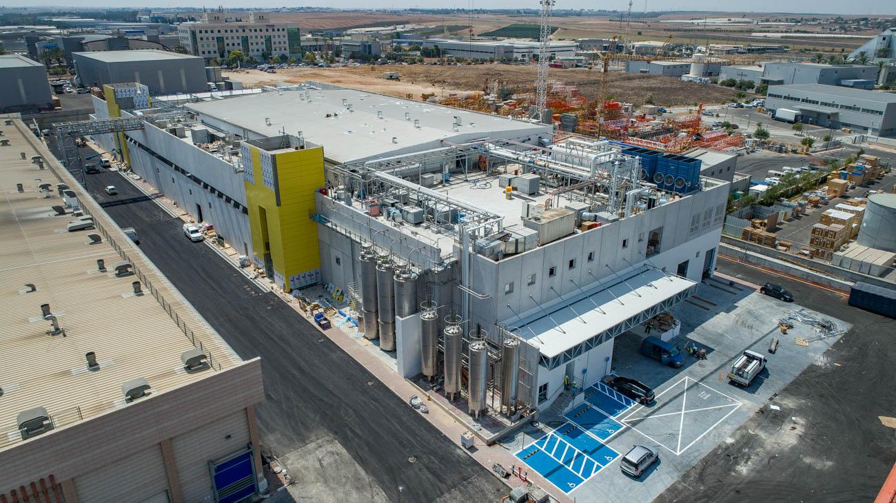 אין כמו במבה: בכירי המדיה החרדית בהשקת המפעל החדש של במבה 9