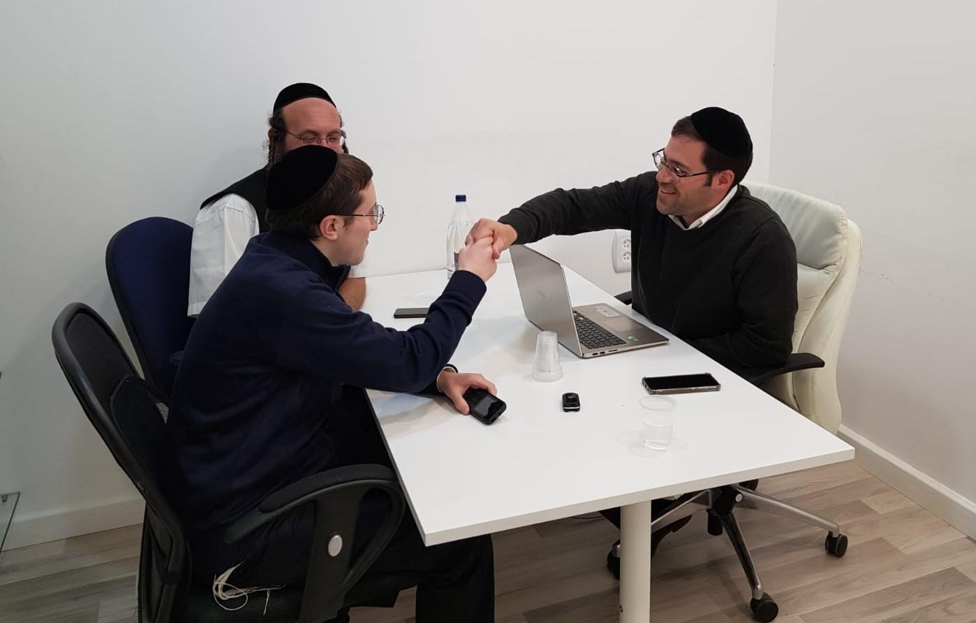 אתר JDN: יהונתן אלוני פורש מתפקידו כעורך ראשי; שמואל בן צבי יחליפו 1