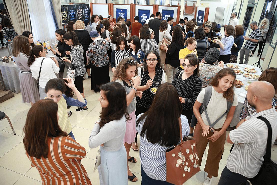 מיוחד: תלמידות 'סיעור מוחות' הציגו מיתוג חדש לעמותת 'בית חם' 2