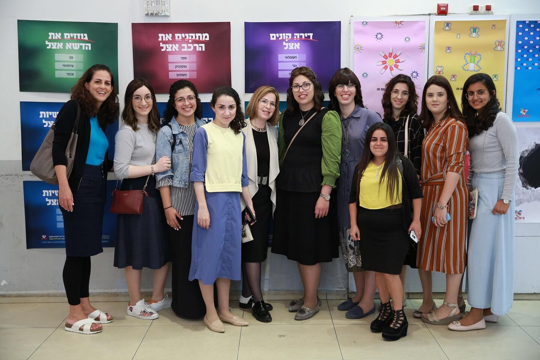 מיוחד: תלמידות 'סיעור מוחות' הציגו מיתוג חדש לעמותת 'בית חם' 7