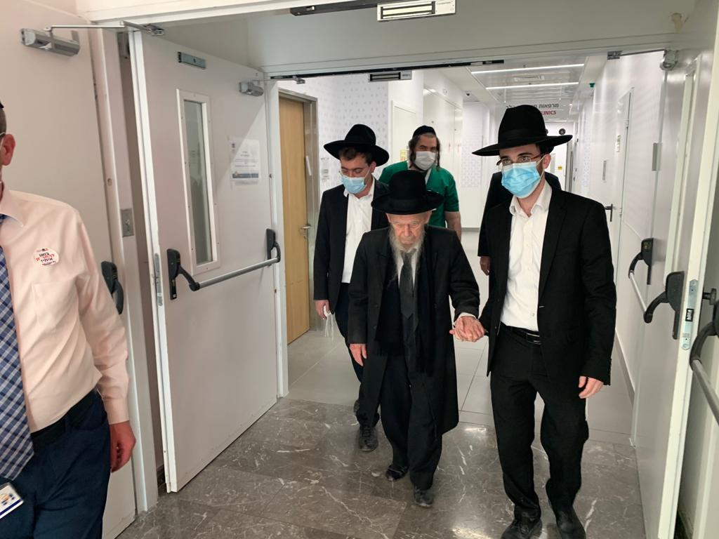"""החל מבצע החיסונים ב'מעיני הישועה': הגר""""ג אדלשטיין קיבל חיסון 2"""