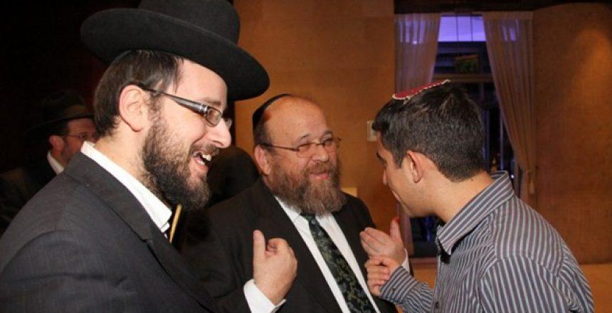 בחתונה נצפו בין השאר: יצחק נחשוני, ישראל כהן ועקיבא נוביק