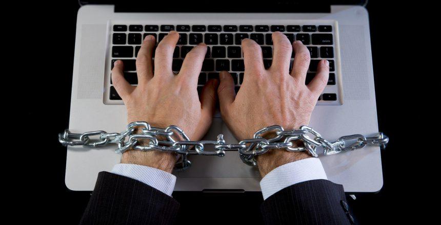 workaholism-internet