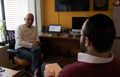 """יגאל בראון בראיון לפאשקעוויל: """"החרדים לא אוהבים לשלם"""""""